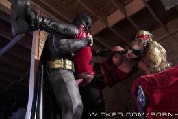 Бэтмен трахает Харли Квинн